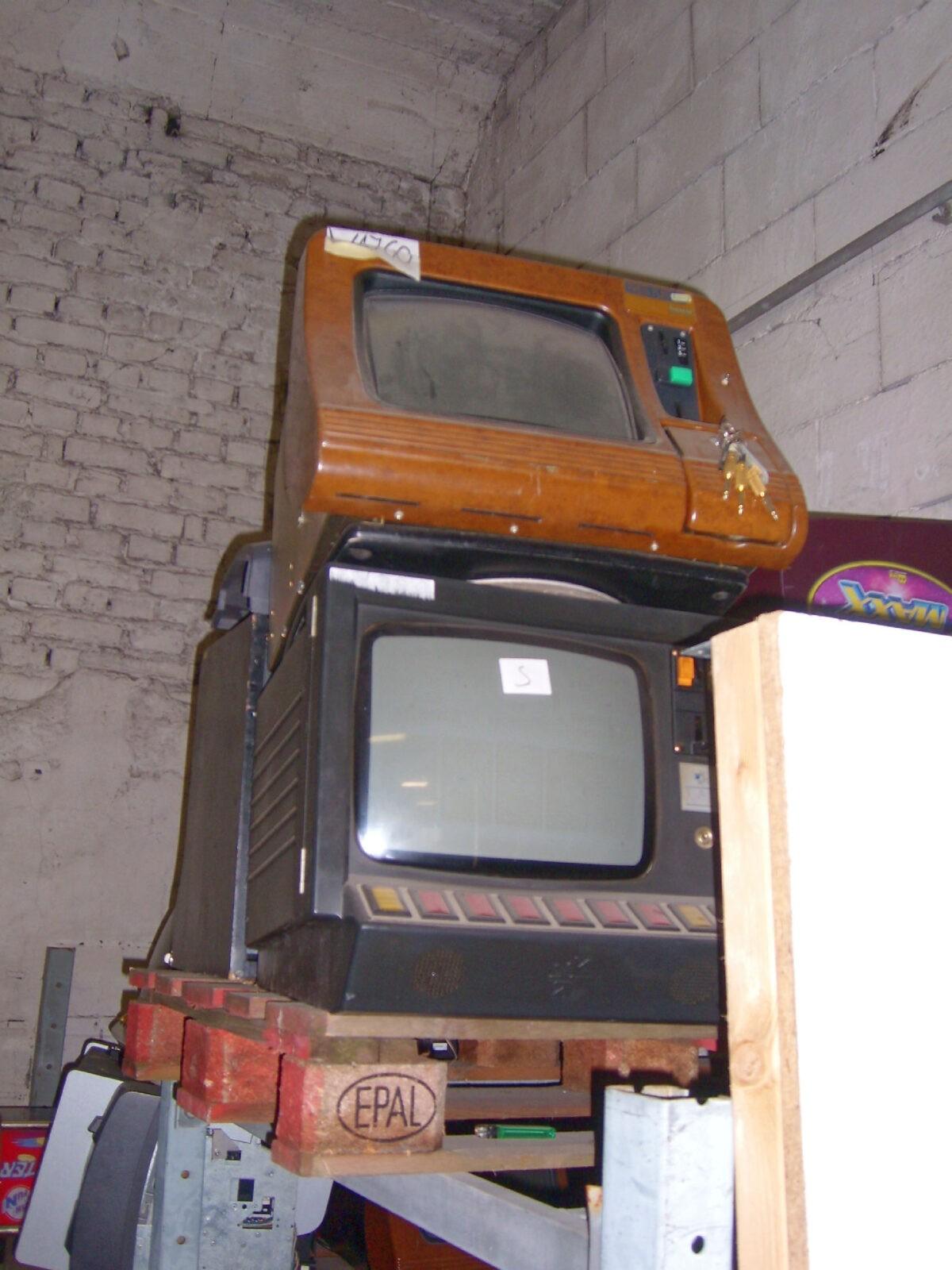 SL730897