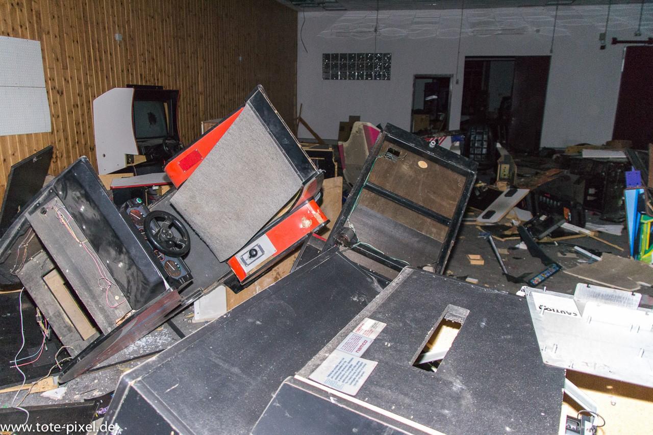arcade zerstört