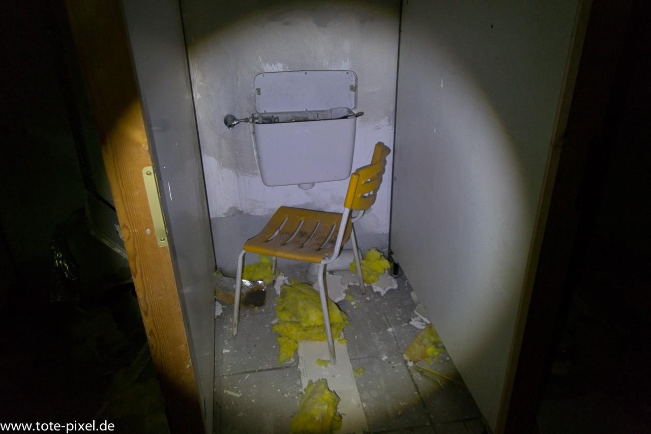demontierte toilette