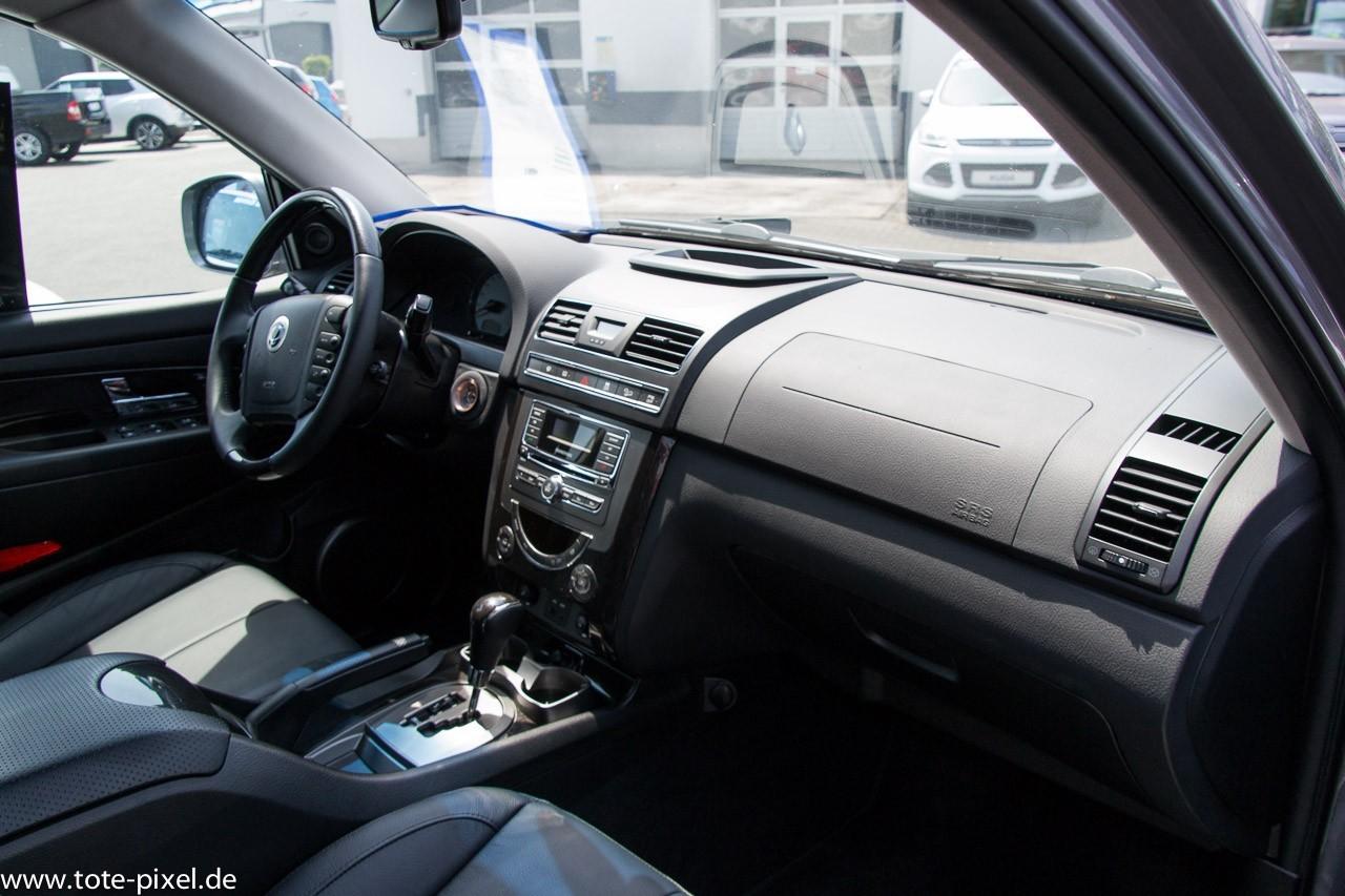 Cockpit Rexton