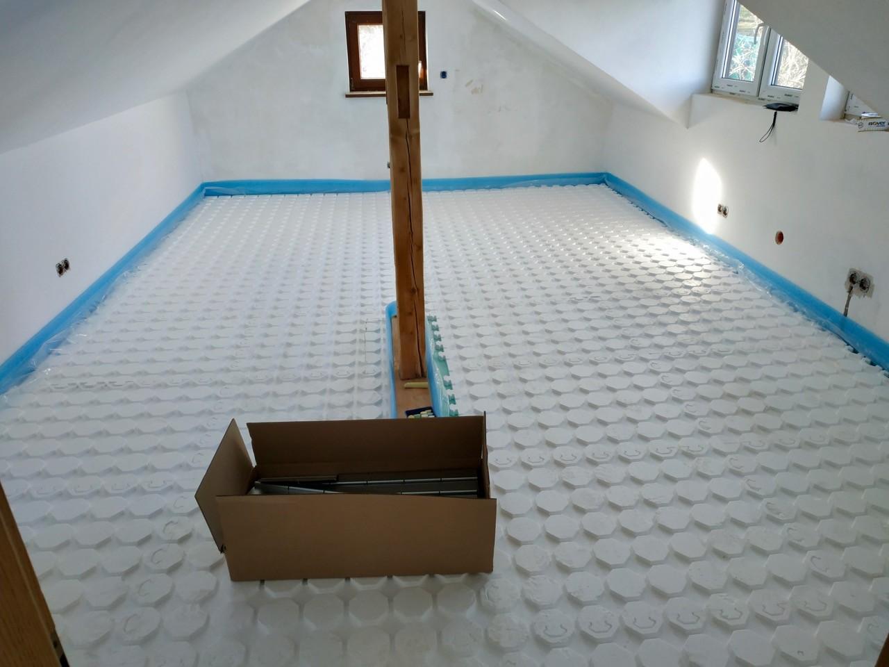 Erste Fußbodenheizung vorbereitet