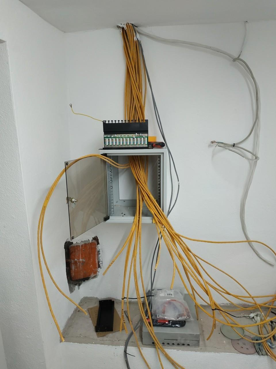 Netzwerk verlegen anschliessen